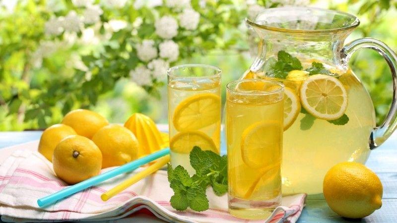 Пять освежающих домашних напитков